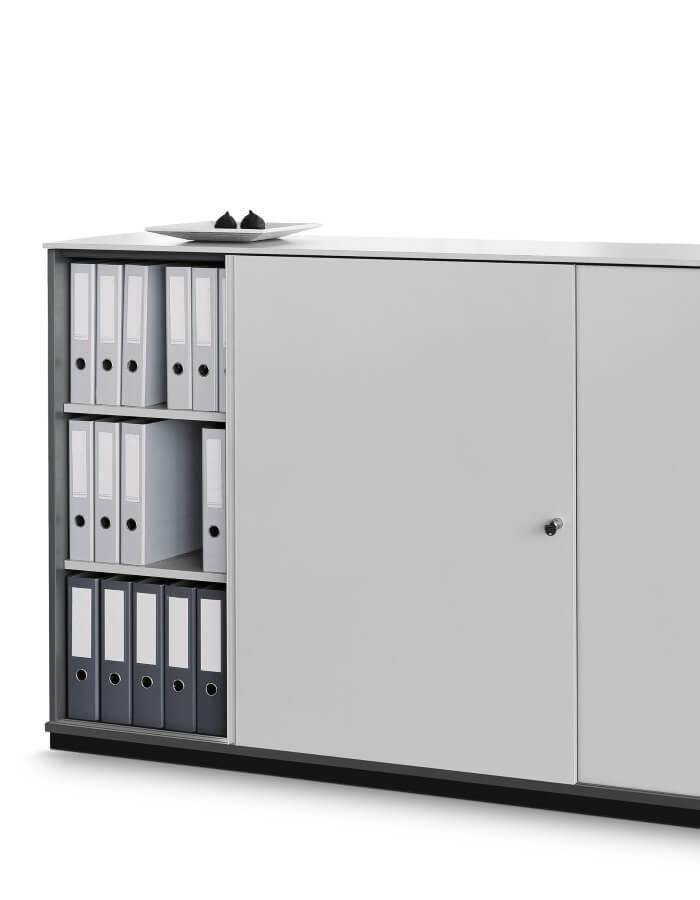 sivi K2 uredski ormar s policama za registatore