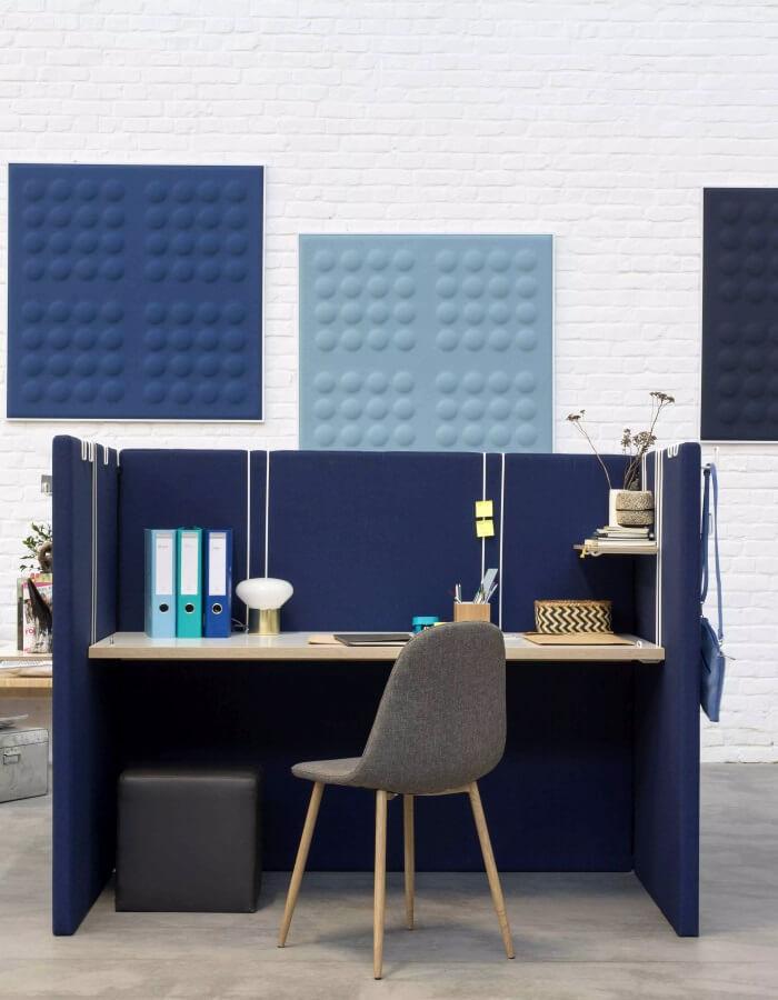 myO akustične poloče u plavim bojama koje apsorbiraju zvuk
