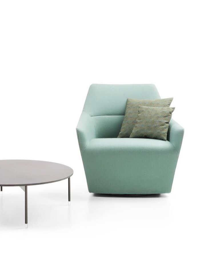 chic uredska fotelja u tkanini
