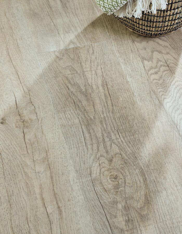 luksuzni vinil podovi u imitaciji drva